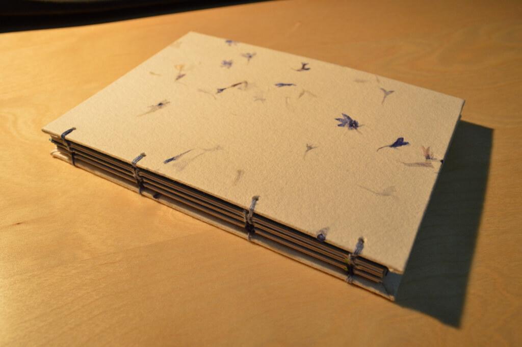 Encuadernado copto: Libreta con florecillas